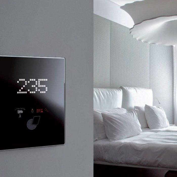 هتل هوشمند و کنترل آن در خانه هوشمند زوریل |