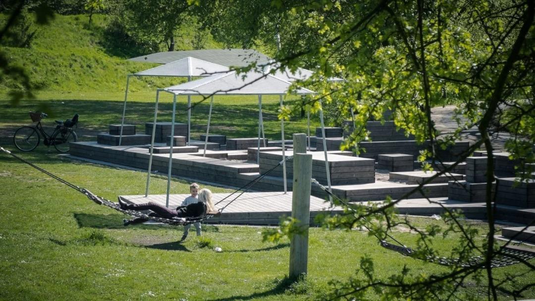 ساختمان های پایدار در پارک ها